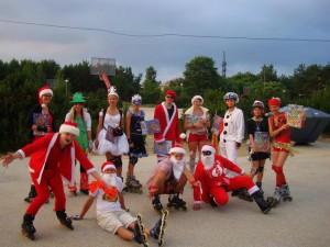 Eelmise aasta jõulukarnevali kostümeeritud osalejad