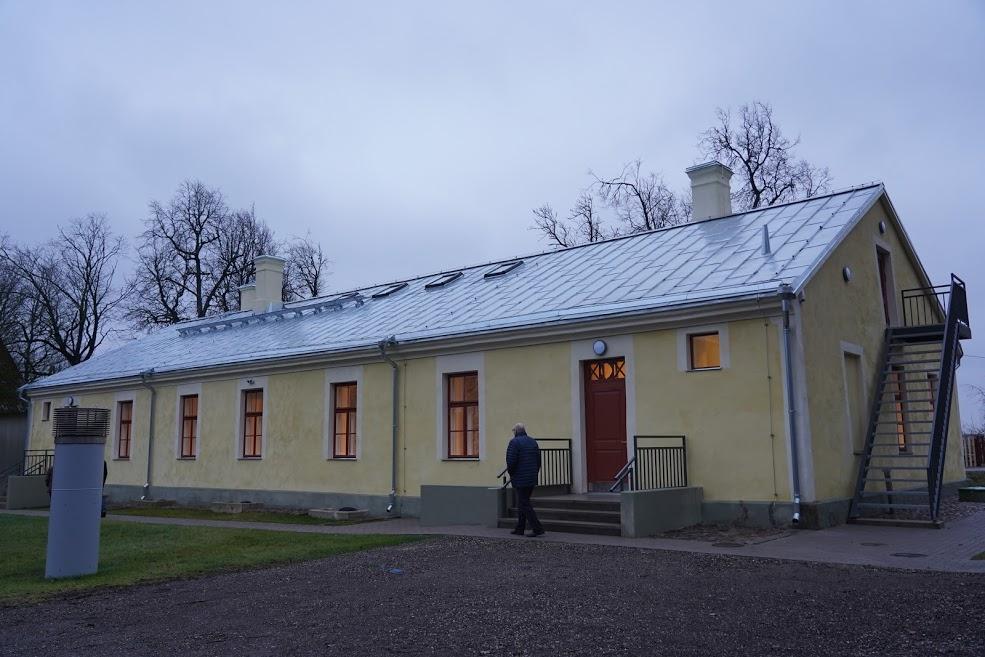Erivajadustega inimeste koduks kohandatud valitsejamaja. Foto Marge Tasur
