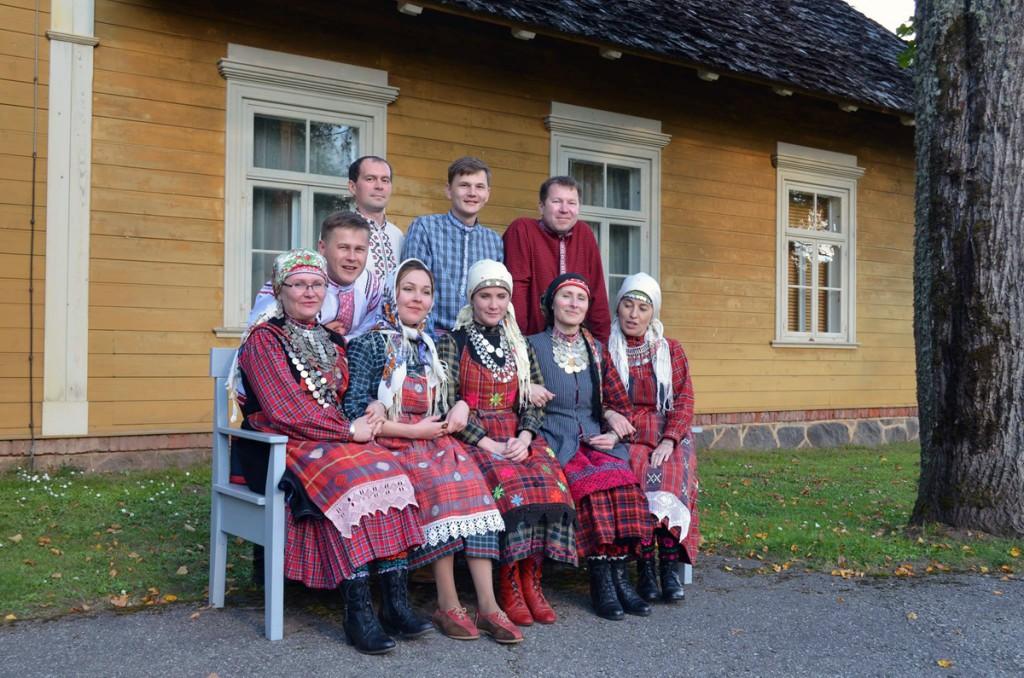 Folklooriansambel Jumšan gur Lätis Turaidas 27 septembril 2015 aastal Foto Nikolai Kuznetsov