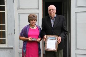 Hiiumaa kogukonna pärl 2012: Merike ja Tõnis Niimanni pere. Foto: Kodukant