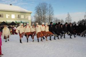Talvepealinna tiitli vastuvõtmine paar aastat tagasi tantsude saatel. Foto: Monika Otrokova