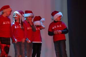 Sadala kooli õpilased näitemängu esitamas. Foto: Pille Tutt