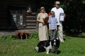 Ida-Virumaa kogukonna pärl 2012: Vilve ja Kalev Niine pere. Foto: Kodukant