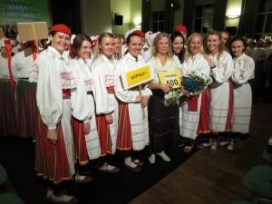 Kätrin Järvise koos Sõpruse I naisrühmaga.
