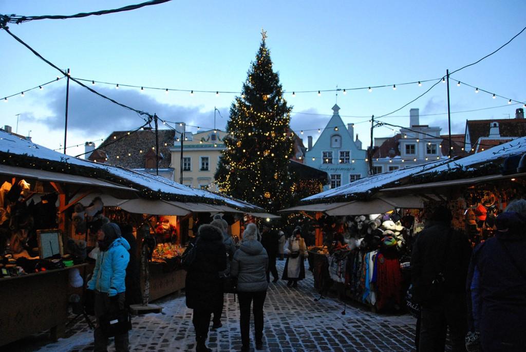 Jõulupuu Tallinnas Raekoja platsil Foto Urmas Saard