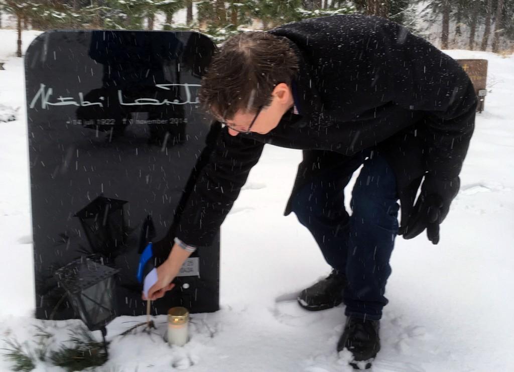 Jüri Trei Stockholmi Metsakalmistul Fotod Uudo Kasuk