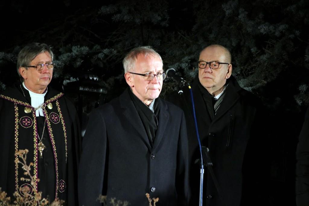 Joel Luhamets, Eiki Nestor ja Aare Olgo 2018. a jõulurahu kuulutamas. Foto Marge Tasur