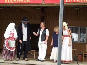 Kümnendat korda Külateatrite Festivalil esinenud näitetrupp Pupud Jukud Tänassilmast