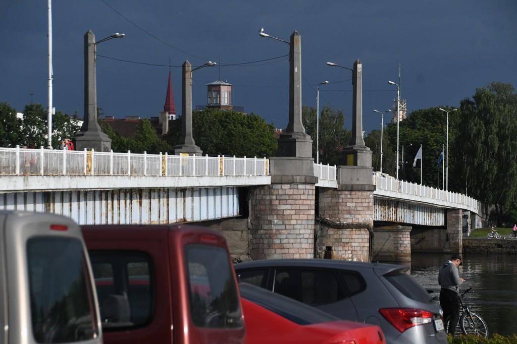 Kesklinna sild Pärnus. Foto Urmas Saard