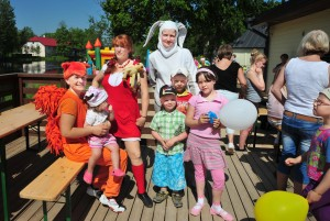 Lastekaitsepäeva sündmuste juhid Orav, Pipi ja Jänes. Foto: Johannes Haav