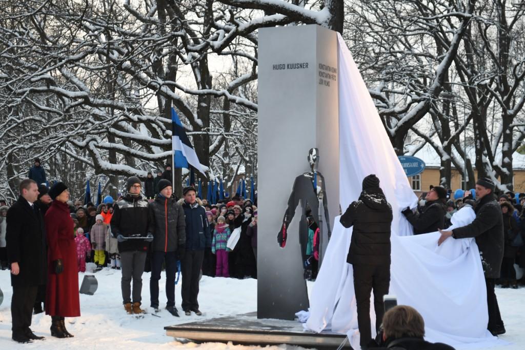 Mälestusmärgi Ajahetk avamine Foto Urmas Saard