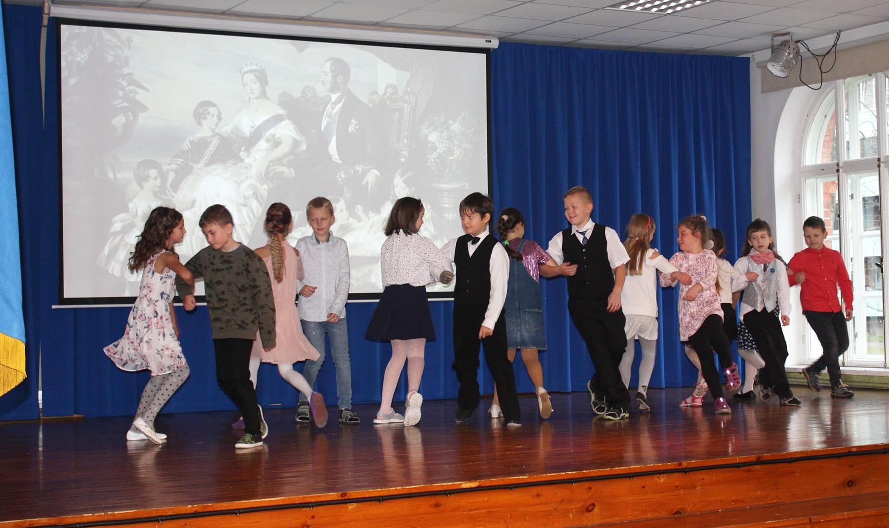 Maakondlik Briti päev Sindi gümnaasiumis. Foto Maris Voltein