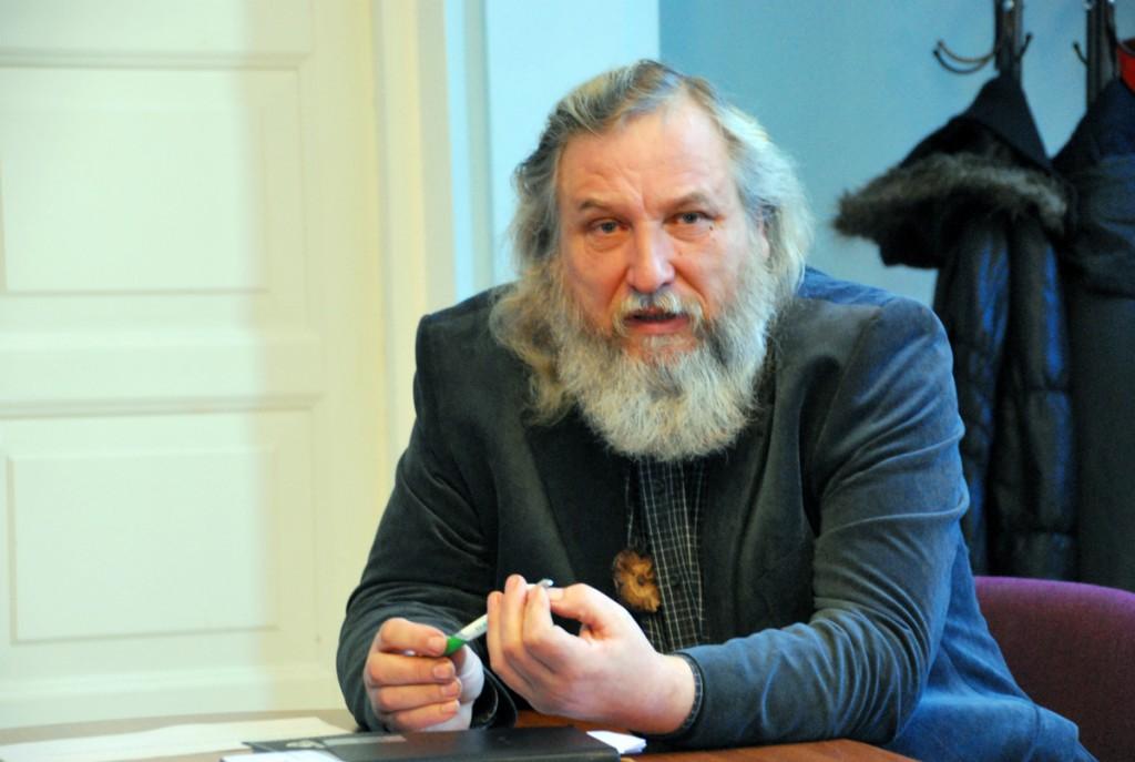Mart Tõnismäe, Sindi linnavalitsuse haridus- ja kultuurinõunik Foto Urmas Saard