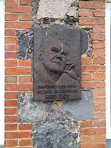 Tänane Voore Külalistemaja ja kunagine koolimaja, kus õppis Mati Unt. Foto: Vikipeedia