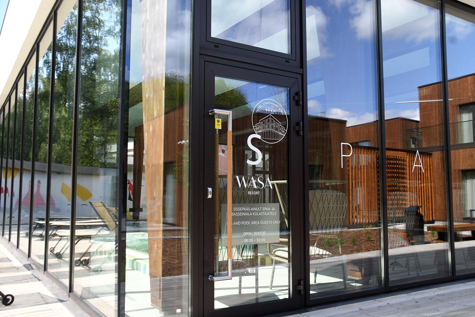 06e2ee9c253 Mitmekülgselt uudsete arhitektuuriliste lahenduste ja uuendusliku  teenindusega Wasa Resort spaahotell Pärnus. Foto Urmas Saard