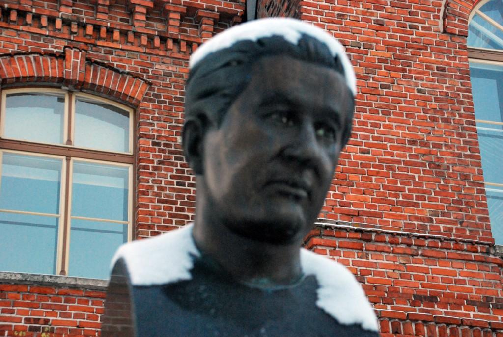 Monument Paul Keresele Pärnus Foto Urmas Saard