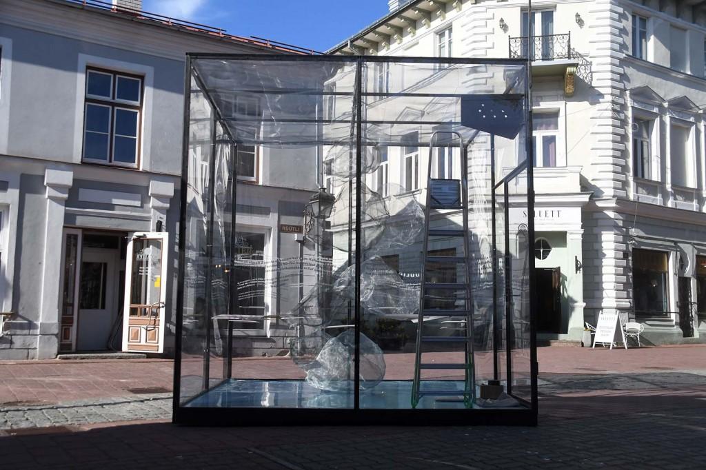 Näitus Pärnu Muulid 150 Rüütli ja Pühavaimu tänava nurgale. Foto Urmas Saard