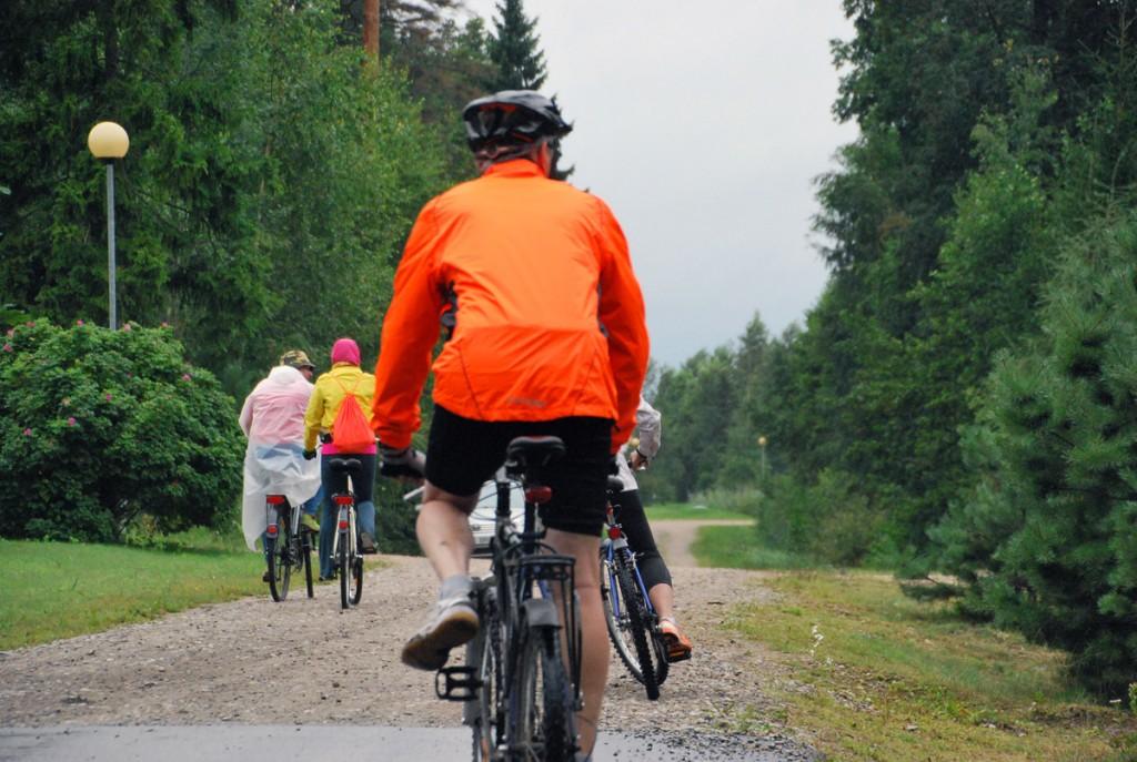 Olemasolev Raeküla ja Lottemaa vaheline tee pole enamikes lõikudes jalgratstega sõiduks mitte eriti mugav Foto Urmas Saard