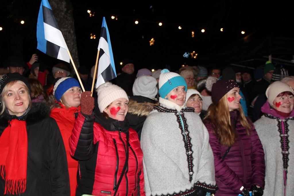 Otepää talveöös kõlasid laulud lumest ja armastusest. Foto Monika Otrokova