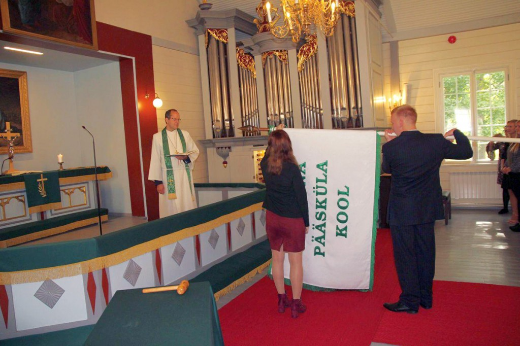 Pääsküla kooli lipu õnnistamine Foto Jukko Nooni