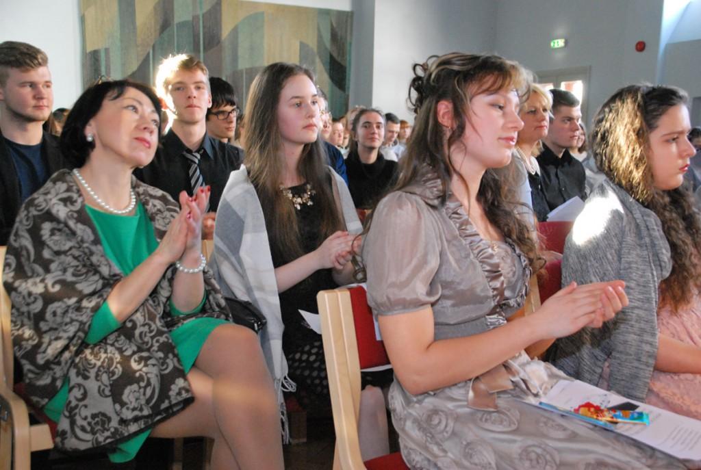Pärnu ühisgümnaasiumis toimuv festival Vene laul Foto Urmas Saard