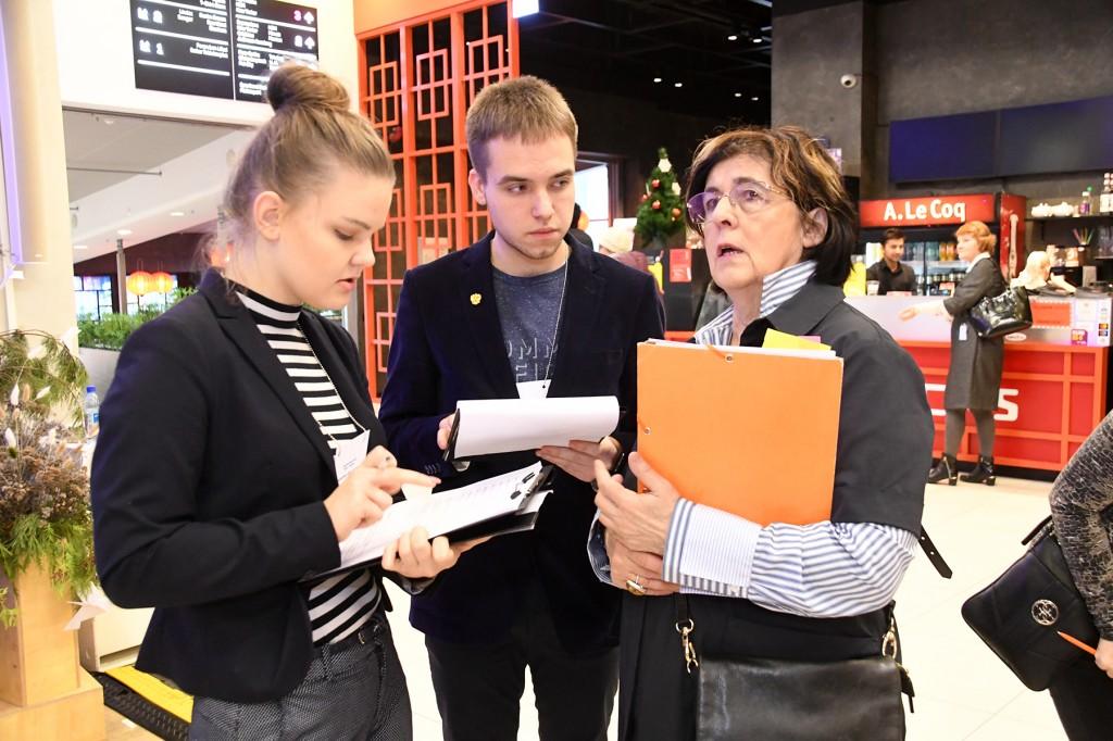 Pärnumaa jõulud 2019 päevajuhid Kaileen Umal ja Deniel Žubri, projektijuht Mari Suurväli. Foto Urmas Saard