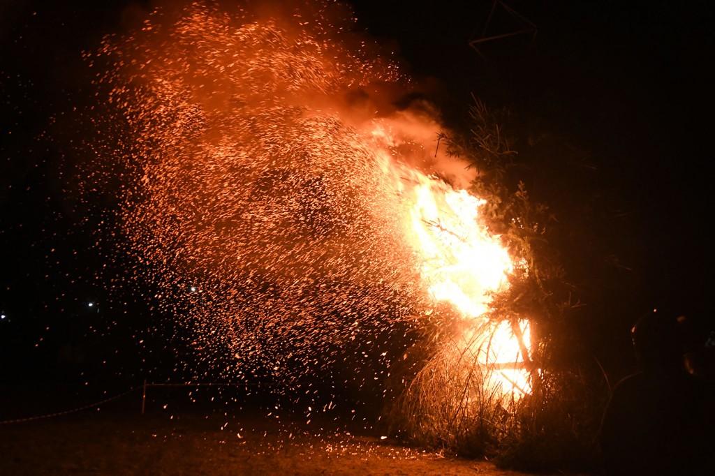 Põletamine eeldab ohutusnõuetest kinni pidamist. Foto Urmas Saard