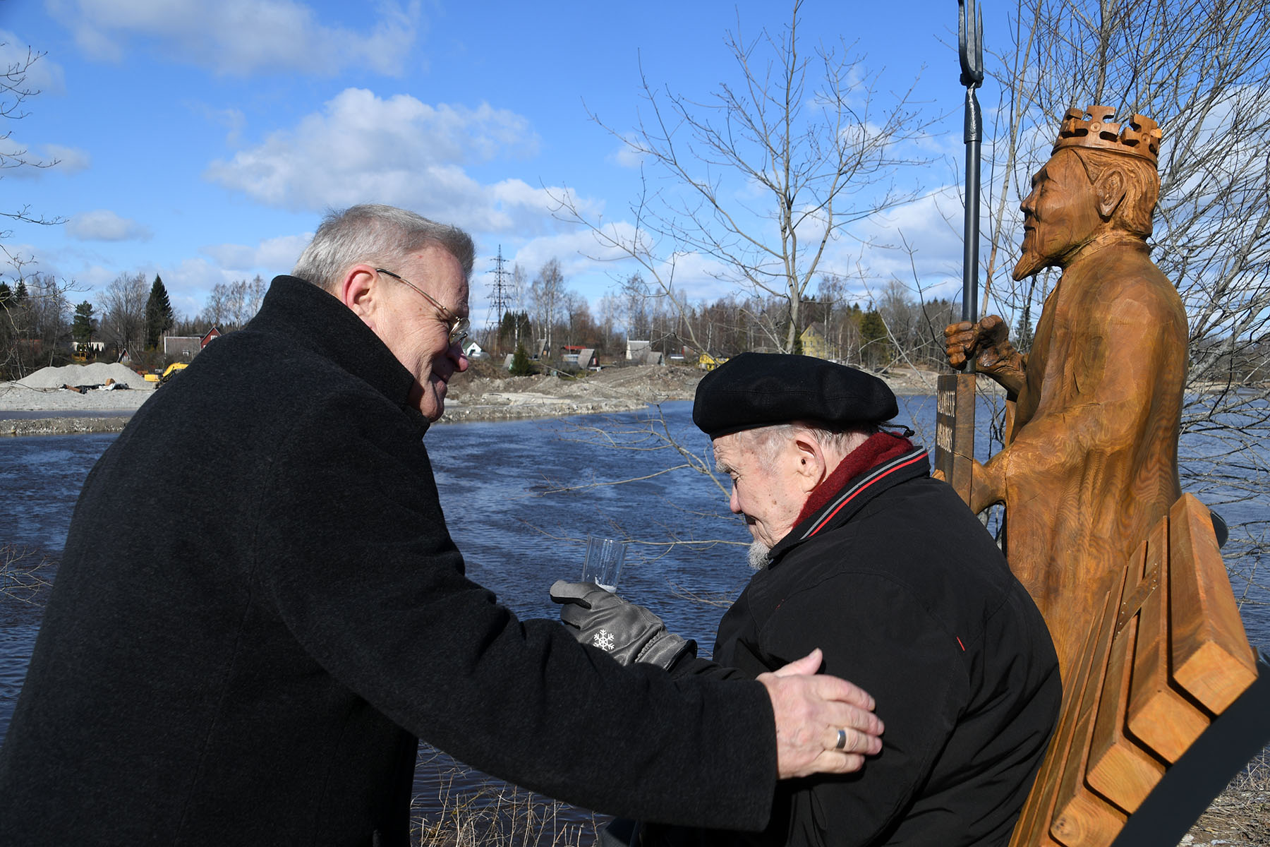 Peapiiskop emeeritus Andres Põder, Hans Soll ja Neptun. Foto Urmas Saard