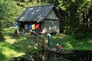 Pokumaa suitsusaun suvel. Foto: Toomas Kalve