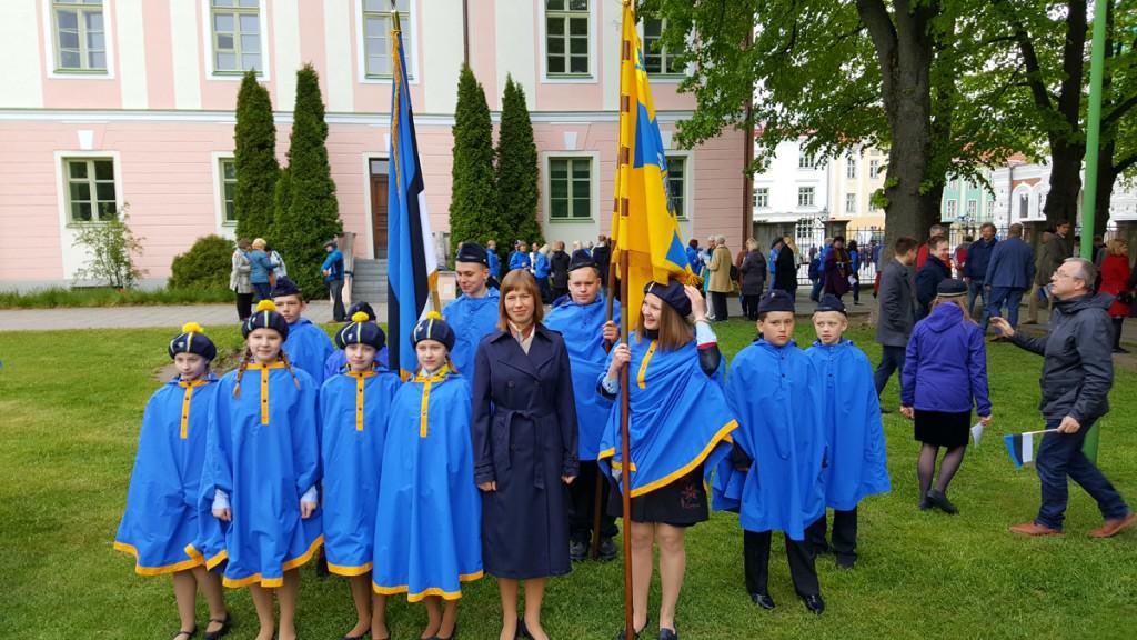 President Kersti Kaljulaid Eesti lipu päeva hommikul Kuberneri aias Foto Marko Šorin
