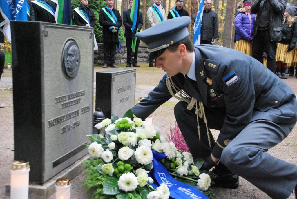 President Konstantin Pätsi ümbermatmise 25 aastapäeva tähistamine Tallinnas Metsakalmistul Foto Urmas Saard
