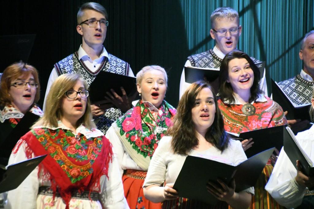 Segakoor Endla 140 juubelikontserdil Pärnu Endla teatri laval Foto Urmas Saard