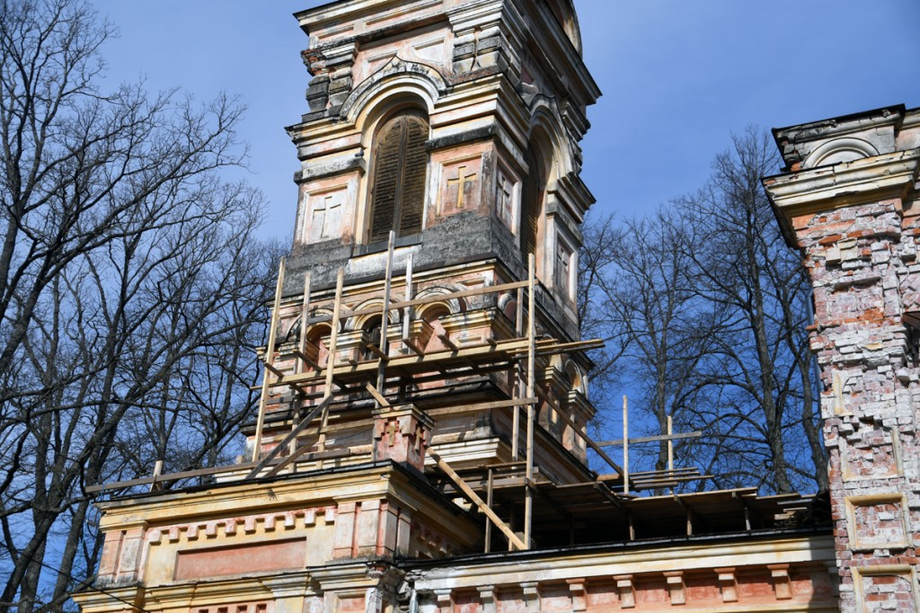 Sindi Jumalailmumise kiriku taastamine on alanud Foto Urmas Saard
