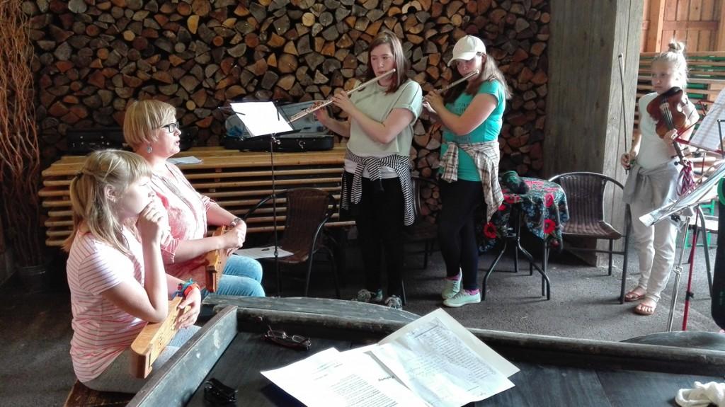 Sindi muusikakooli koosmängu õppelaager Foto Merike Teppan-Kolk