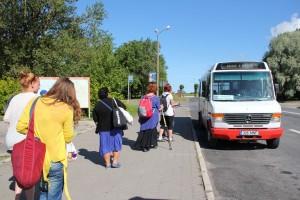 Suvebuss Haapsalu bussijaamas.