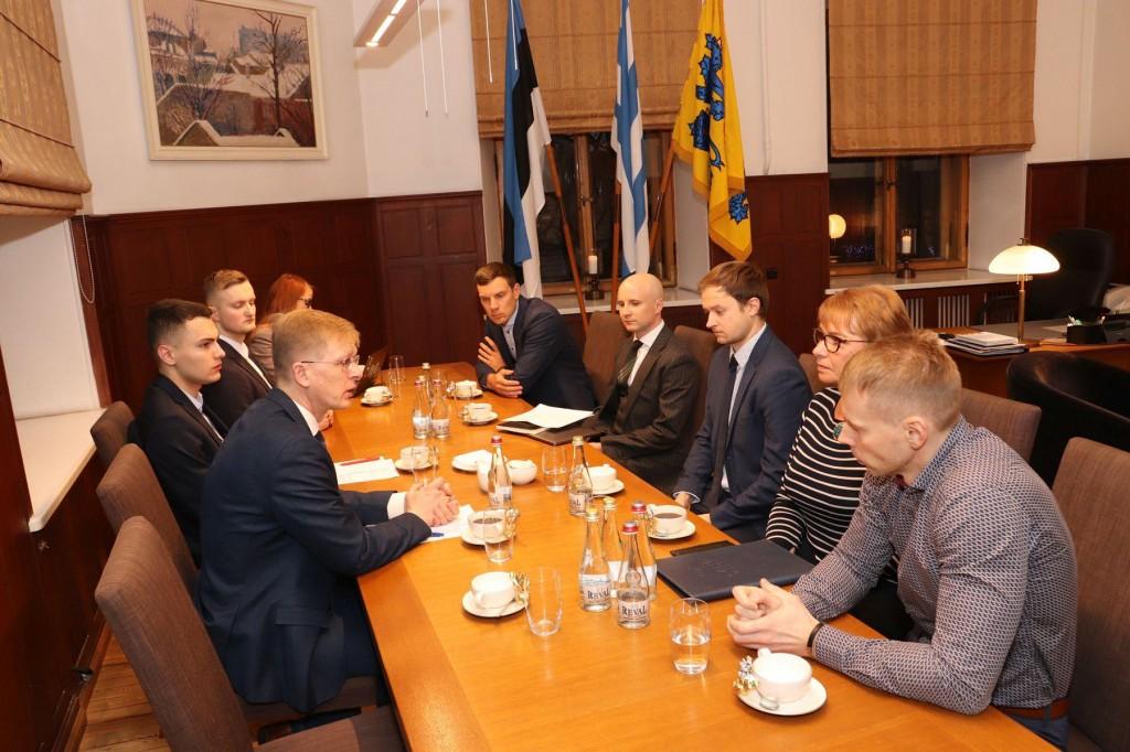 Tallinna linnavolikogu esimehe Tiit Teriku kohtumine taksofirmade esindajatega. Foto Jukko Nooni