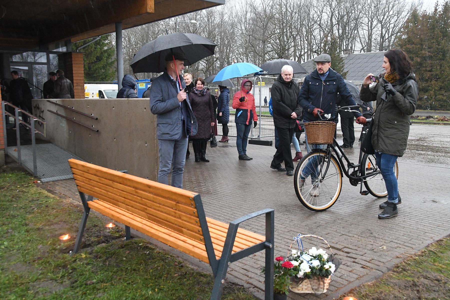 Tiit Tarlapi mälestuspingi avapäeval Sindis. Foto Urmas Saard