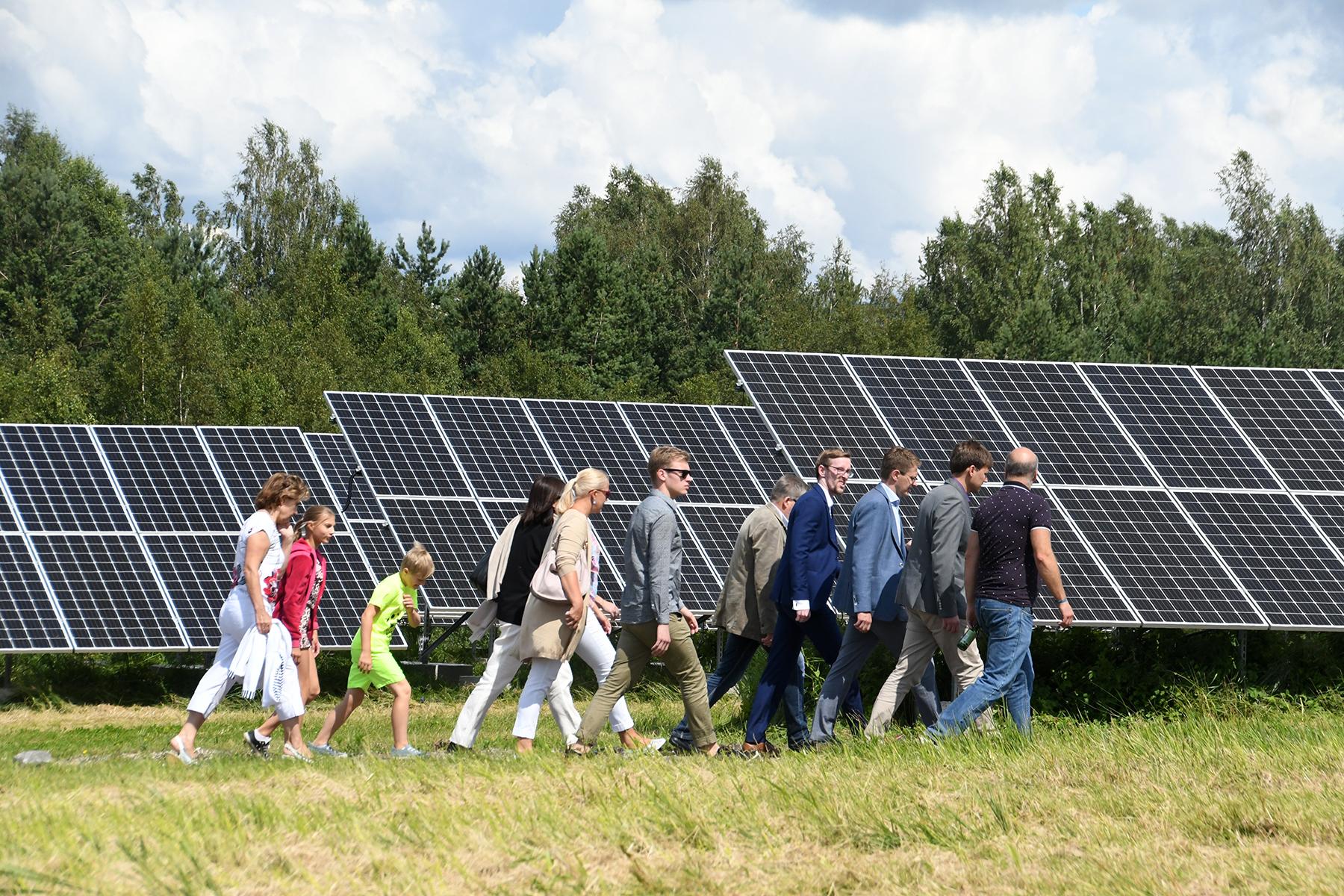 d7664ae8123 Tutvumine äsja Pärnus avatud Paikre päikesepargiga. Foto Urmas Saard