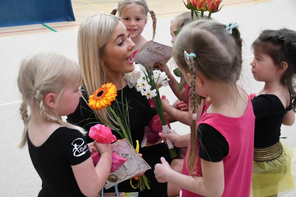 Võimlemiskooli Rüht laste tänu Foto Urmas Saard