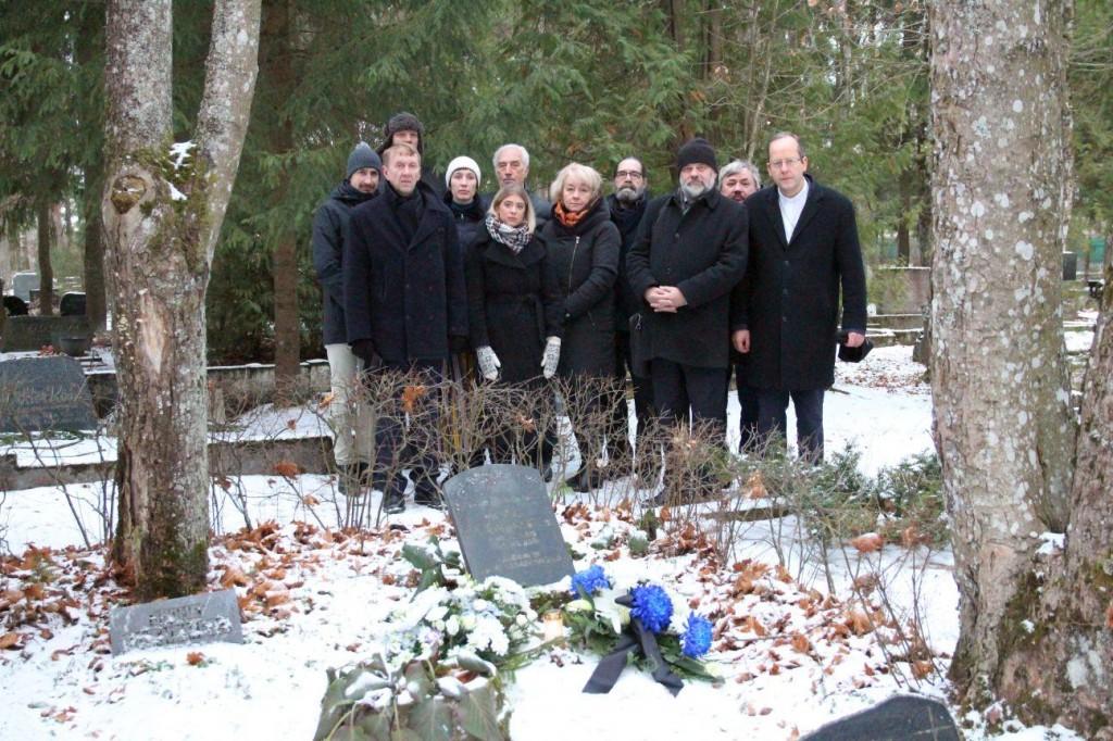 Vabadussõja alguse meenutamine Hiiu-Rahu kalmistul Foto Jukko Noomi