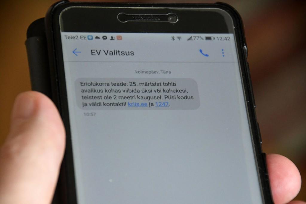 Valitsuse SMS mobiilile. Foto Urmas Saard