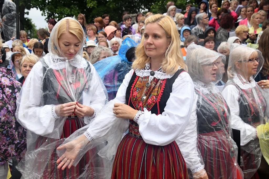Vihm kimbutas proovi ajal lauljaid Foto Urmas Saard