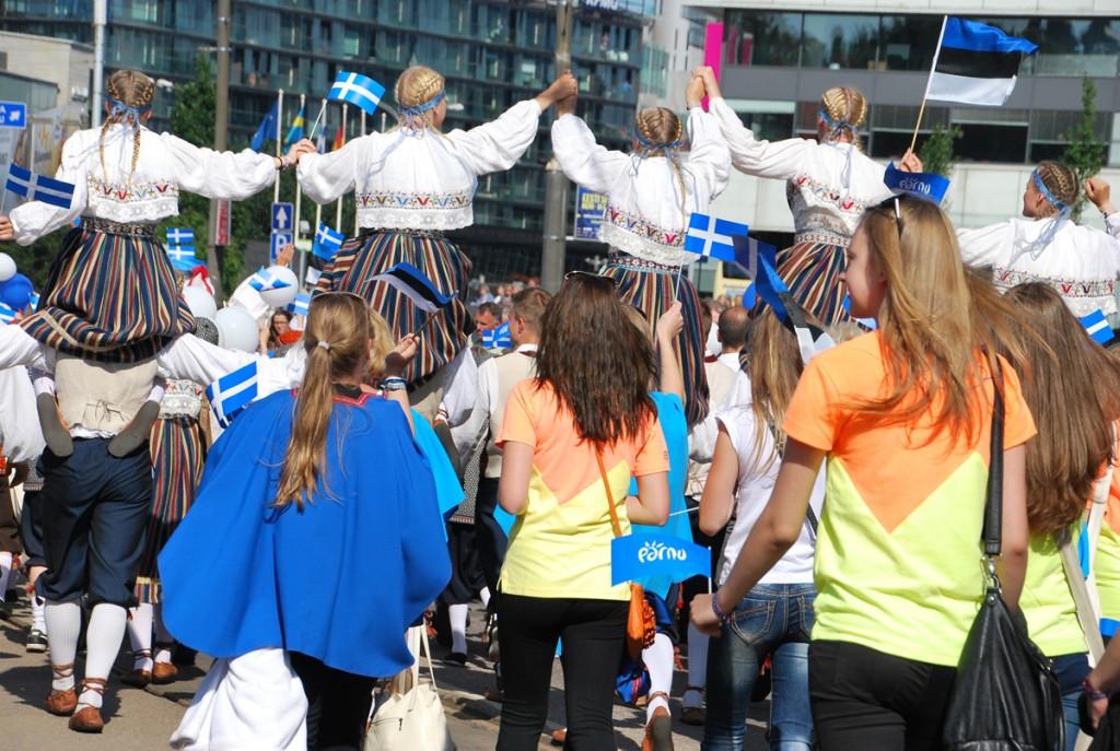 XII noorte laulu- ja tantsupeo ootuses meenutus XXVI laulu- ja XIX tantsupeo rongkäigust Tallinnas Foto Urmas Saard