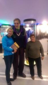 Fotol: vasakult: juhataja Jana Mae, Uljana Semjonova ja Vera Zozula. Foto: Talispordimuuseum