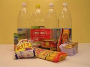 Täiskasvanute toiduks on soovitatav varuda vett ja näiteks pika säilivusega kuivaineid. Foto: Eesti Toidtumisteaduse Selts